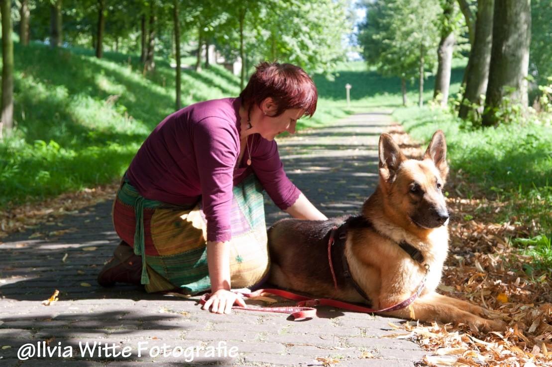 Voel je je eenzaam? Neem dan een hond! – Waarom dat bij mij niet werkte…